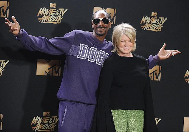 <p>The stars of <em>Martha and Snoop's Potluck Dinner Party</em> brought their unlikely partnership to the 2017 MTV Movie and TV Awards, where it was still weird to see them together. (Photo: Jason LaVeris/FilmMagic) </p>