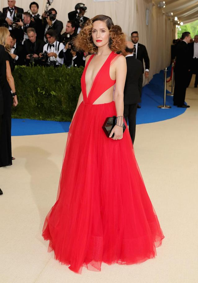 <p>The actress wore a custom red, v-neck body suit with a matching tulle skirt from designer Ralph Lauren. (Photo by Neilson Barnard/Getty Images) </p>