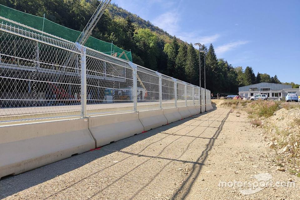 "Fence and barrier test center<span class=""copyright"">FIA </span>"