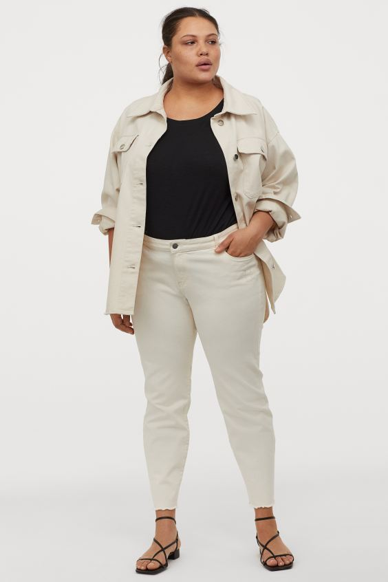"""<br> <br> <strong>H&M</strong> Skinny Cropped Jeans, $, available at <a href=""""https://go.skimresources.com/?id=30283X879131&url=https%3A%2F%2Fwww2.hm.com%2Fen_us%2Fproductpage.0894400001.html"""" rel=""""nofollow noopener"""" target=""""_blank"""" data-ylk=""""slk:H&M"""" class=""""link rapid-noclick-resp"""">H&M</a>"""