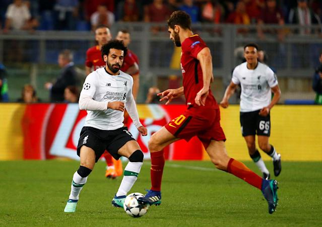 Soccer Football - Champions League Semi Final Second Leg - AS Roma v Liverpool - Stadio Olimpico, Rome, Italy - May 2, 2018 Liverpool's Mohamed Salah in action with Roma's Federico Fazio REUTERS/Tony Gentile