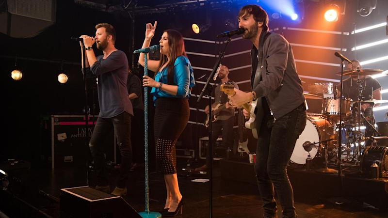 Lady Antebellum Leads a Prayer Ahead of Manchester Show After Las Vegas Tragedy -- Watch