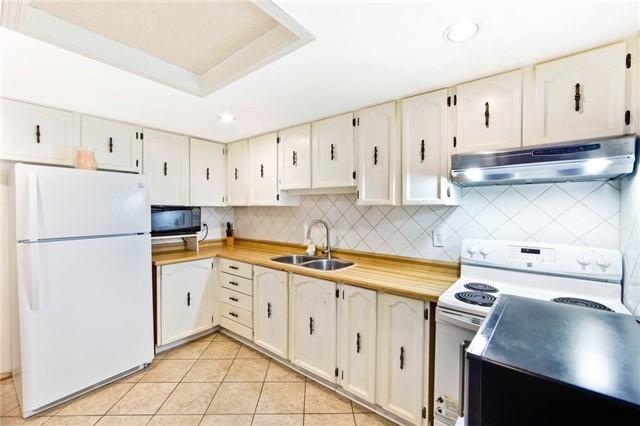 "<p><a rel=""nofollow"" href=""https://www.zoocasa.com/toronto-on-real-estate/5080880-34-levitt-crt-toronto-on-m2r3p9-c4041629"">34 Levitt Crt, Toronto, Ont.</a><br /> The main floor kitchen comes with a fridge and stove, as does the basement kitchen.<br /> (Photo: Zoocasa) </p>"