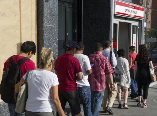 Spanish unemployment nears 25%