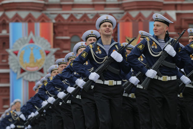 <p>Russian Navy cadets march along the Red Square during the Victory Day military parade in Moscow, Russia, 09 May 2017. Russia celebrates the 72nd anniversary of the victory over the Nazi Germany in World War II on May 9, 2017. (Photo: Yuri Kochetkov/EPA) </p>