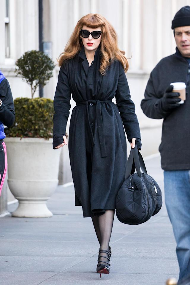 Blake Lively looking more like her BFF Florence Welch than herself while filming <em>The Rhythm Section</em> on Jan. 14 in New York City. (Photo: Alessio Botticelli/GC Images)
