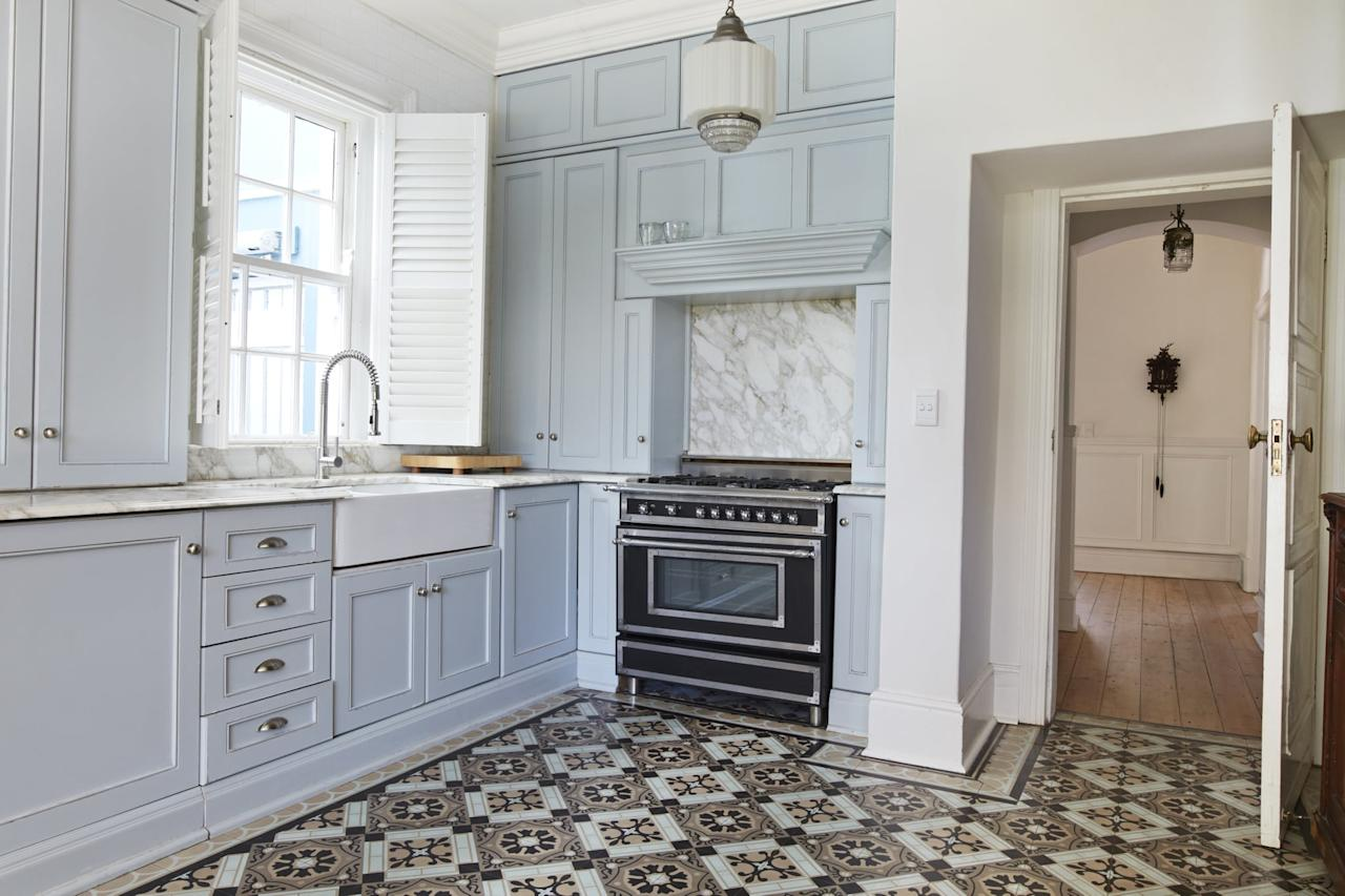 """<p>Most rental kitchens have laminate countertops. They're ugly, synthetic, and remarkably prone to scratches and stains. Do yourself a favor, and invest in some <a href=""""https://www.popsugar.com/buy?url=http%3A%2F%2Fwww.amazon.com%2FInstant-Granite-Counter-Cover-Venecia%2Fdp%2FB006KC88RE&p_name=instant%20granite&retailer=amazon.com&evar1=casa%3Aus&evar9=37643344&evar98=https%3A%2F%2Fwww.popsugar.com%2Fphoto-gallery%2F37643344%2Fimage%2F37643347%2FInvest-Some-Instant-Granite&list1=kitchens%2Caffordable%20decor&prop13=api&pdata=1"""" rel=""""nofollow"""" data-shoppable-link=""""1"""" target=""""_blank"""" class=""""ga-track"""" data-ga-category=""""Related"""" data-ga-label=""""http://www.amazon.com/Instant-Granite-Counter-Cover-Venecia/dp/B006KC88RE"""" data-ga-action=""""In-Line Links"""">instant granite</a>. It'll have your kitchen looking new in an hour. And if someone as uncoordinated as me can install these bad boys, something tells me it's an attainable dream.</p>"""