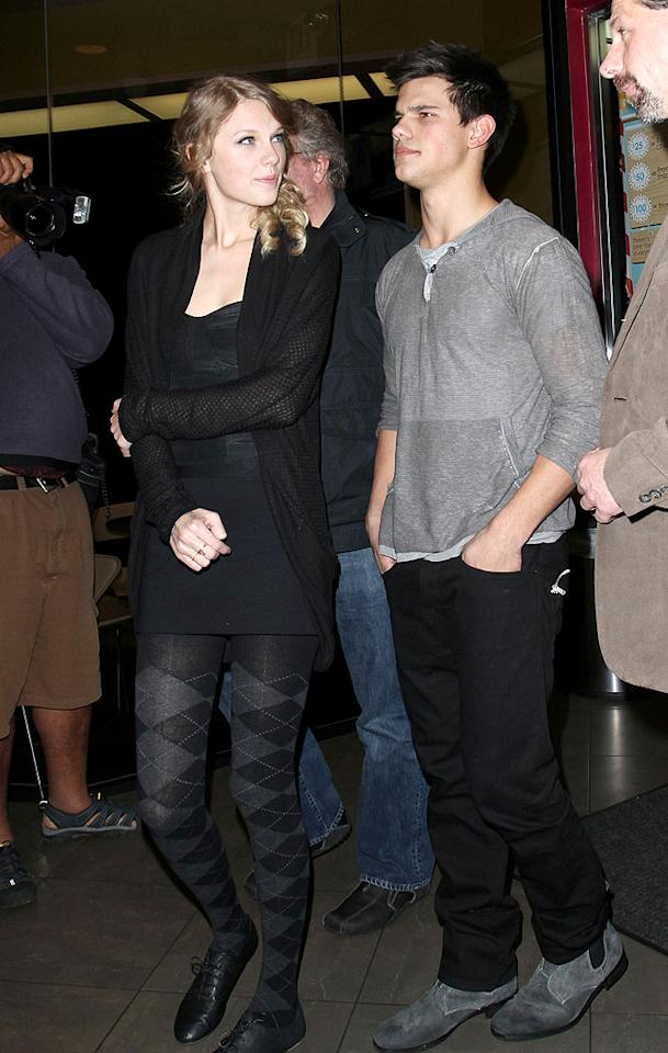 "Fans went crazy when they heard that two equally adorable Taylors were dating! Unfortunately, the romance of ""Taylor Squared,"" which reportedly began in October, fizzled out before New Year's. Raef/Ramirea/<a href=""http://www.infdaily.com"" target=""new"">INFDaily.com</a> - December 3, 2009"