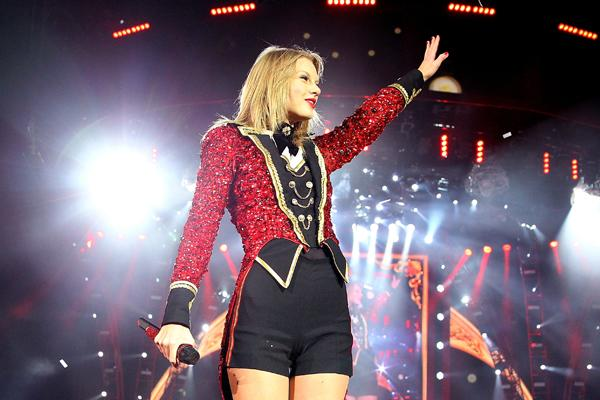Taylor Swift Tops Most Charitable Celebrities List