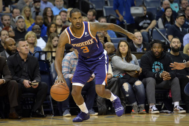 "<a class=""link rapid-noclick-resp"" href=""/nba/players/3860/"" data-ylk=""slk:Trevor Ariza"">Trevor Ariza</a>'s tenure in Phoenix could be approaching its end. (AP Photo)"