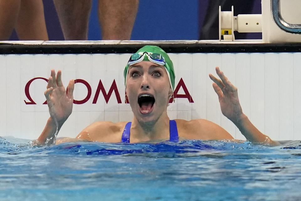 Tatjana Schoenmaker, of South Africa, celebrates after winning the gold medal in the women's 200-meter breaststroke final at the 2020 Summer Olympics, Friday, July 30, 2021, in Tokyo, Japan. (AP Photo/Gregory Bull)