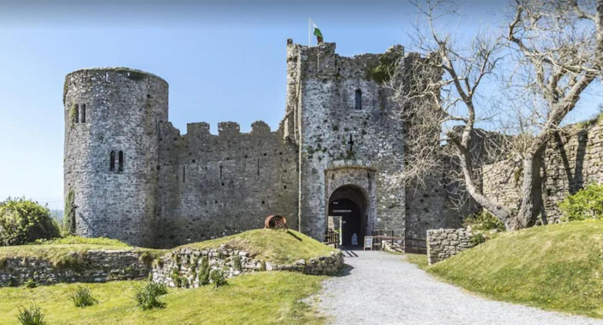 Best castle stays in the UK to know about. (VRBO)