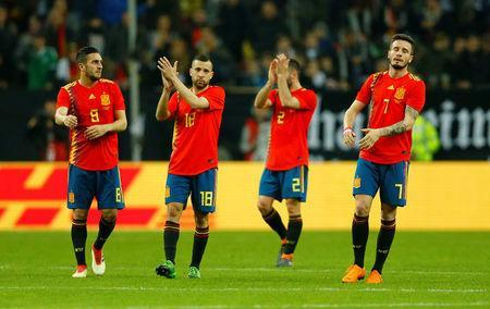 Soccer Football - International Friendly - Germany vs Spain - ESPRIT arena, Dusseldorf, Germany - March 23, 2018 Spain's Koke, Jordi Alba and Saul Niguez applaud their fans after the match REUTERS/Thilo Schmuelgen