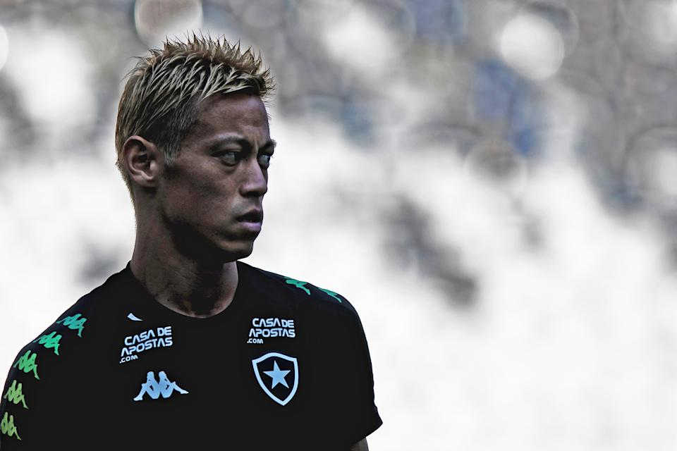 Japanese midfielder Keisuke Honda takes part in a training session before his debut match for Botafogo against Bangu, during the Carioca Championship, in Nilton Santos stadium, Rio de Janeiro, Brazil, on March 15, 2020. (Photo by Diego MARANHAO / AFP) (Photo by DIEGO MARANHAO/AFP via Getty Images)
