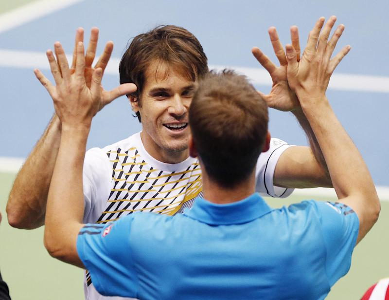 Germany knocks out Spain in Davis Cup