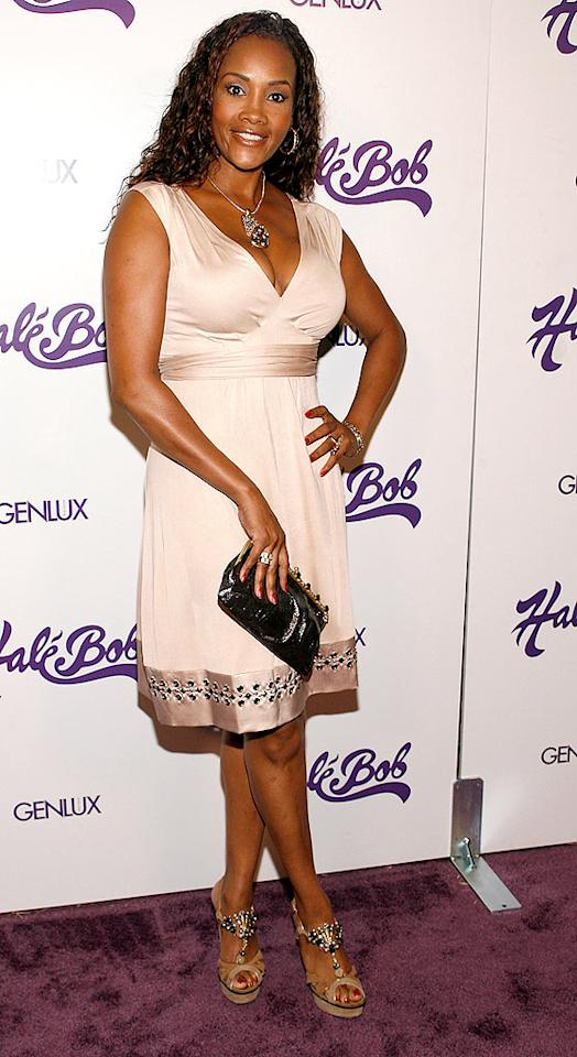 "Vivica Fox's smile is sweet, but her pale frock and boring locks are sour. Michael Bezjian/<a href=""http://www.wireimage.com"" target=""new"">WireImage.com</a> - July 9, 2008"