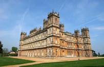 """<p>It's called <a href=""""https://www.highclerecastle.co.uk/"""" rel=""""nofollow noopener"""" target=""""_blank"""" data-ylk=""""slk:Highclere Castle"""" class=""""link rapid-noclick-resp"""">Highclere Castle</a> and it's been occupied by the Carnavon family since 1679. You can tour it in the summer for about $30 and it's also available for weddings and private events. </p>"""