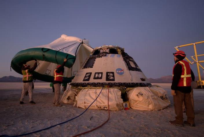 FILE PHOTO: Boeing CST-100 Starliner capsule lands at White Sands