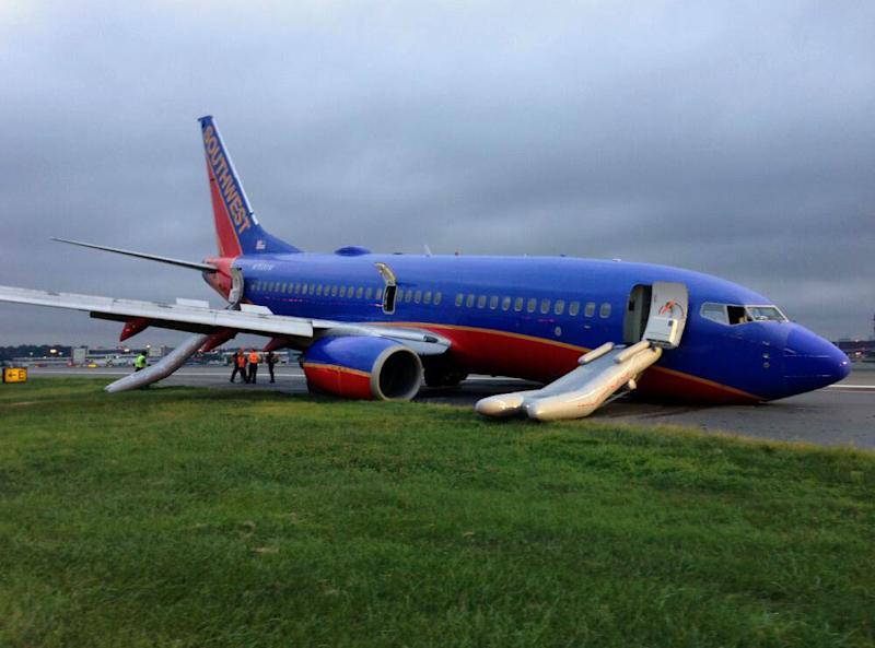 NTSB: Southwest jet's nose gear landed 1st in NY