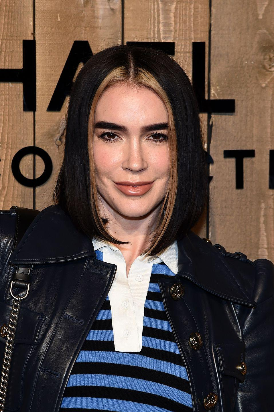 <p>Remember the tacky chunky highlights of the early '00s? This trend channels that vibe – but in a much cooler way. Bleach the strands around your face for a low-commitment upgrade to your 'do.</p>