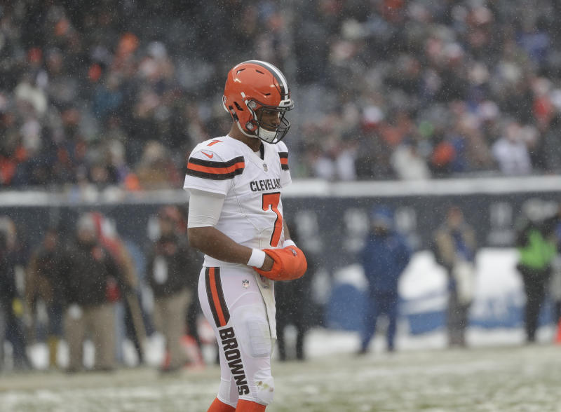 Cleveland Browns quarterback DeShone Kizer struggled again as the Browns fell to 0-15. (AP)
