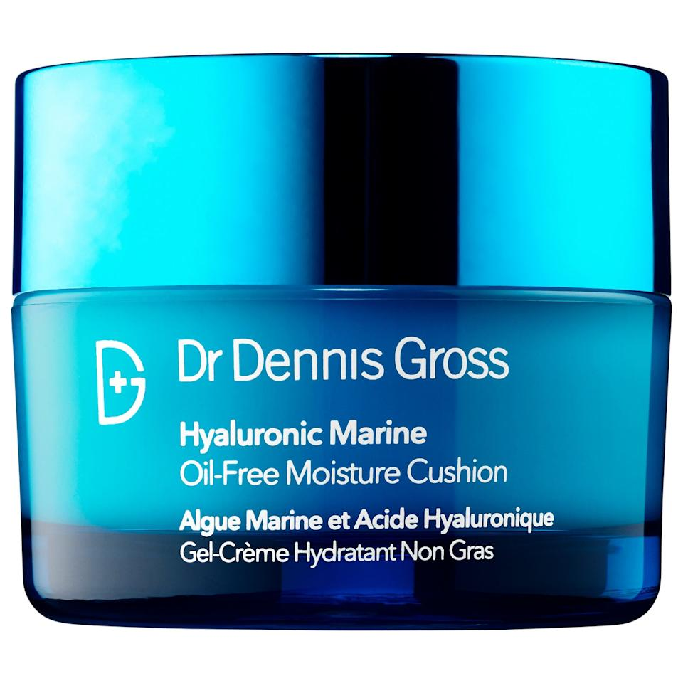 Made with a nourishing combo of superfoods and intense hydrators like hyaluronic acid, the Marine Oil-Free Moisture Cushion has become an international favourite for its lightweight texture and moisturizing properties.
