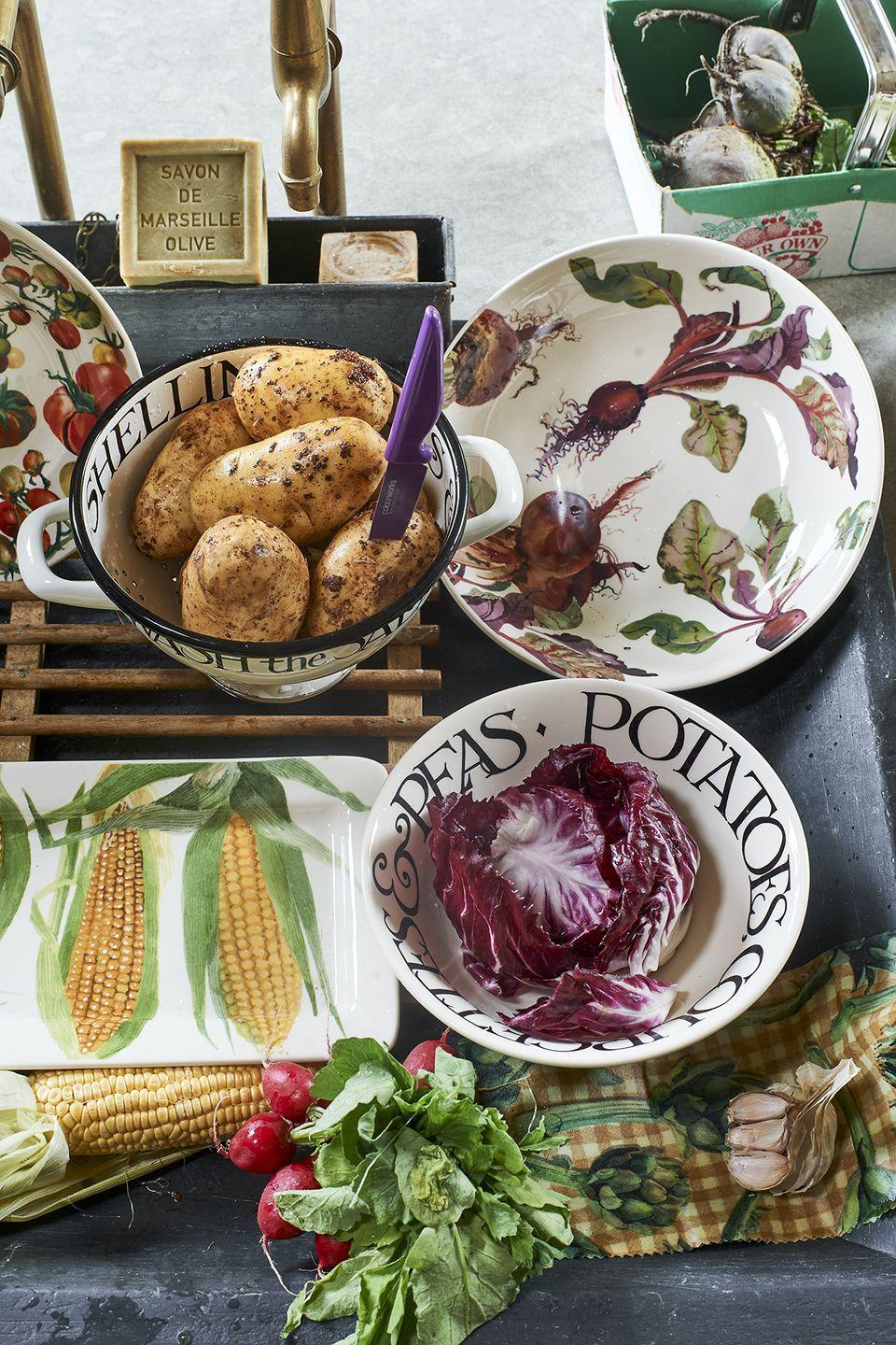 """<p>We're big fans of the new Vegetable Garden collection, which welcomes courgette flowers, beetroots, red onions, tomatoes, figs and watercress all beautifully illustrated on plates, platters, bowls and jugs.</p><p><a class=""""link rapid-noclick-resp"""" href=""""https://go.redirectingat.com?id=127X1599956&url=https%3A%2F%2Fwww.emmabridgewater.co.uk%2Fcollections%2Fvegetable-garden&sref=https%3A%2F%2Fwww.housebeautiful.com%2Fuk%2Flifestyle%2Fshopping%2Fg37527696%2Femma-bridgewater-autumn-range%2F"""" rel=""""nofollow noopener"""" target=""""_blank"""" data-ylk=""""slk:SHOP THE RANGE"""">SHOP THE RANGE</a></p>"""