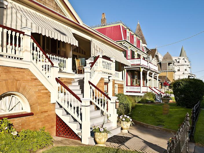 houses and bed & breakfasts line the street in cape may