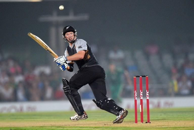 New Zealand's Colin Munro bats during the 2nd  T20 match between South Africa and New Zealand  in East London at Buffalo Park on December 23, 2012 . New Zealand won the match.AFP PHOTO / ALEXANDER JOE
