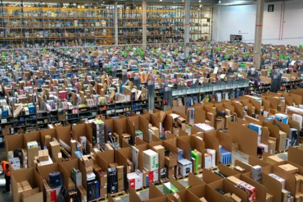 Looking to hire 30,000, Amazon plans nationwide job fairs