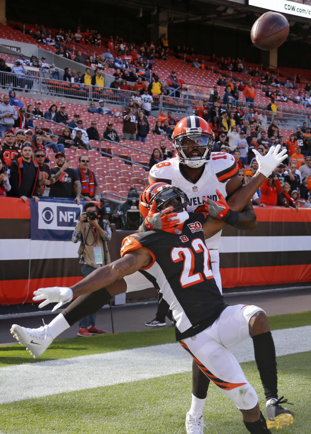 <p>Cincinnati Bengals cornerback William Jackson (22) breaks top a pass intended for Cleveland Browns wide receiver Kenny Britt (18) in the second half of an NFL football game, Sunday, Oct. 1, 2017, in Cleveland. The Bengals won 31-7. (AP Photo/Ron Schwane) </p>
