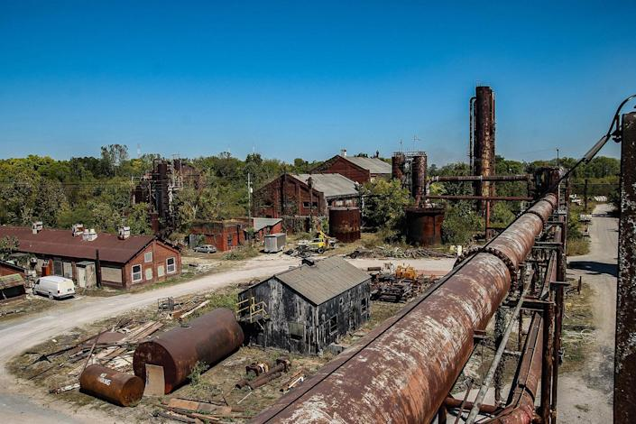 """<p>""""A lot of the buildings still have pieces of machinery inside them; it's amazing to see how much is still intact almost 100 years later."""" (Photo: Abandoned Southeast/Caters News) </p>"""