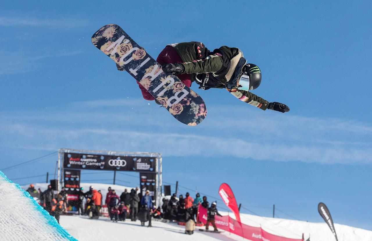 Chloe Kim from the U.S. competes on her way to winning the Womens' Snowboard Halfpipe Final at Cardrona Alpine Resort during the Winter Games NZ near Queenstown, New Zealand, September 8, 2017. Iain McGregor-Winter Games NZ/Handout via REUTERS  ATTENTION EDITORS - THIS IMAGE WAS PROVIDED BY A THIRD PARTY. NO RESALES. NO ARCHIVES.