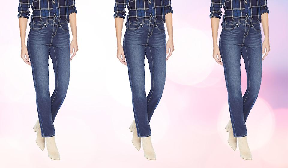 Signature by Levi Strauss & Co. Gold Label Women's Curvy Straight Jeans (Photo: Amazon)