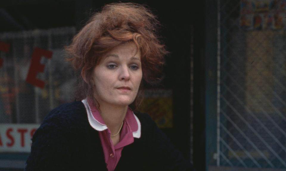 """The original <em>EastEnders</em> cast member passed away in April, with her death later being attributed to an <a href=""""https://uk.news.yahoo.com/sandy-ratcliff-cause-of-death-eastenders-155831773.html"""" data-ylk=""""slk:accidental morphine overdose and lung conditions;outcm:mb_qualified_link;_E:mb_qualified_link;ct:story;"""" class=""""link rapid-noclick-resp yahoo-link"""">accidental morphine overdose and lung conditions</a>. She played Sue Osman on the BBC soap from 1985 until 1989. Off screen, she battled a heroin addiction for about 20 years before her sad passing. (Photo by Don Smith/Radio Times/Getty Images)"""