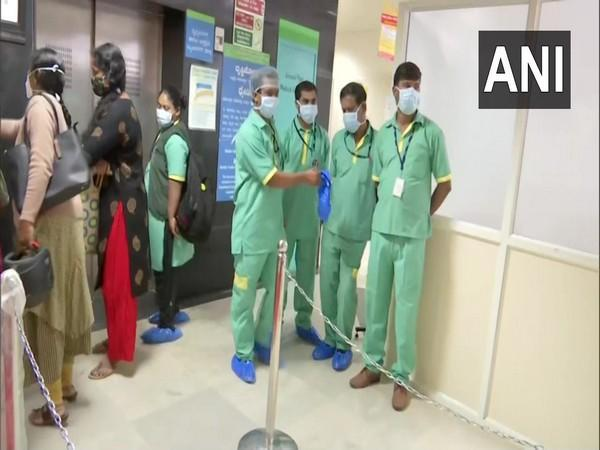 COVID-19 vaccination drive visual from Bangalore Medical College and Research Institute. Photo/ANI