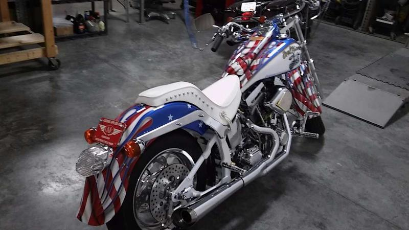 Evel Knievel S 1976 Harley Davidson Goes To Auction: Rare 1998 CMC Evel Knievel Limited Edition Cruiser For Sale