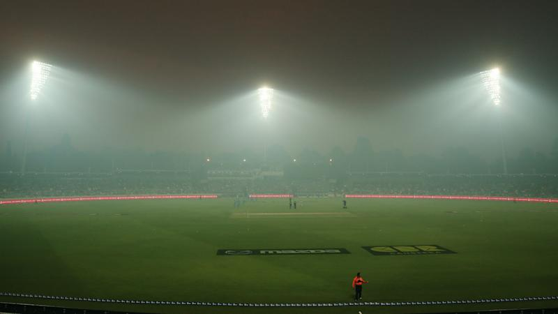 BBL game abandoned, Australia's Siddle treated for smoke inhalation