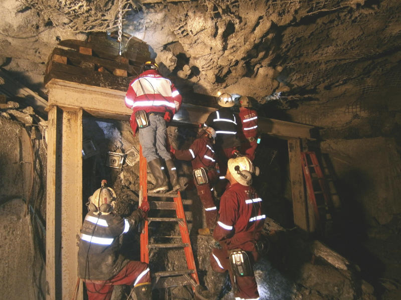 Rescuers keep digging to reach Indonesian miners
