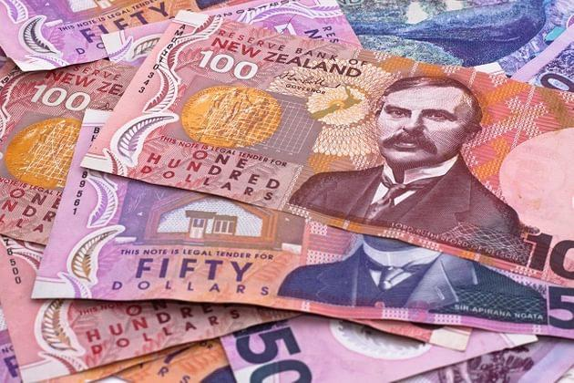 NZ Dollar Weakens After Reserve Bank Says Rates Unchanged Until at Least 2020