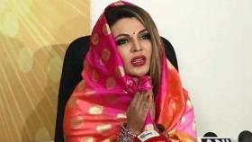 Rakhi Sawant flies to China to 'kill coronavirus', asks PM to 'pray for her safety'