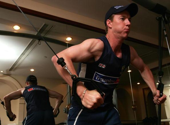 MUMBAI, INDIA - OCTOBER 20:  Brett Lee of Australia works out in the gym at the Taj Mahal Hotel on October 20, 2004 in Mumbai, India.  (Photo by Hamish Blair/Getty Images)