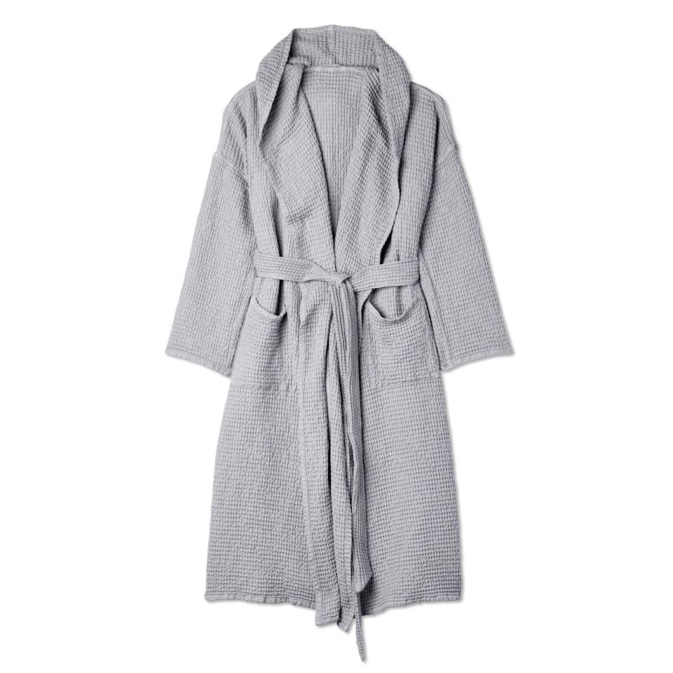 "<p>There is nothing quite like slipping on a comfortable robe after a long soak in the bath. This gray option from Magic Linen, a family-run business from Lithuania, is stone-washed for softness and even has a hood for ultimate coziness.</p> <p><strong>$110</strong> (<a href=""http://www.anrdoezrs.net/links/8984085/type/dlg/sid/allureverishoplastminutegifts/https://www.verishop.com/magiclinen/robes/cotton-waffle-robe/p1640382038051?color=light_grey"" rel=""nofollow"">Shop Now</a>)</p>"