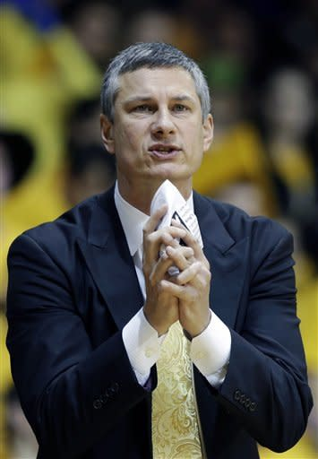 La Salle head coach John Giannini pleads with his team after a foul during the first half of an NCAA college basketball game against Butler, Wednesday, Jan. 23, 2013, in Philadelphia. (AP Photo/Matt Slocum)