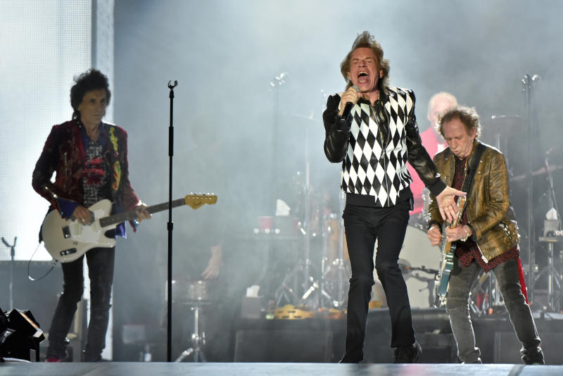 Mick Jagger back on tour following heart surgery
