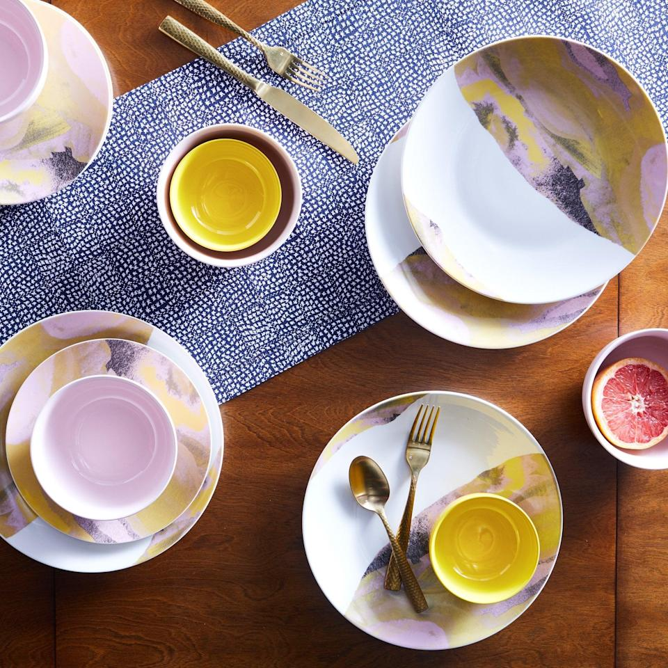 <p>Upgrade your kitchen set this Summer with this luxe <span>Drew Barrymore Flower Home Vintage Marble 16-Piece Dinnerware Set</span> ($60).</p>