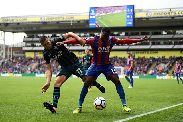 <p>Crystal Palace's Jeffrey Schlupp in action with Southampton's Dusan Tadic Action Images via Reuters/Tony O'Brien </p>