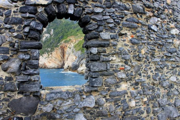 """<p>Keep your eyes open for unexpected treats, like this view of the sea from Porto Venere.</p><p><i>(Photo: <a href=""""http://www.dtravelsround.com/"""" rel=""""nofollow noopener"""" target=""""_blank"""" data-ylk=""""slk:D Travels Round"""" class=""""link rapid-noclick-resp"""">D Travels Round</a>)</i><br></p>"""