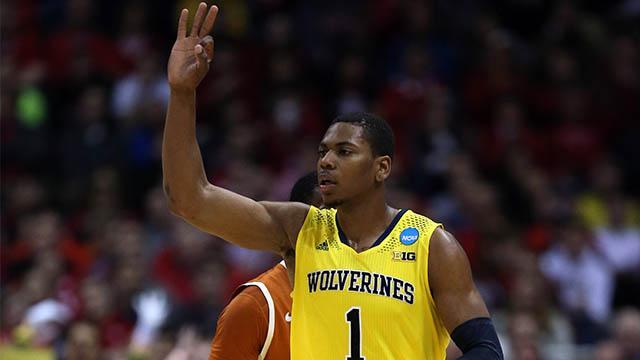 Michigan hits 14 threes to cruise past Texas and into Sweet 16