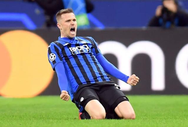 FILE PHOTO: Josip Ilicic celebrates scoring for Atalanta in the first leg of their Champions League tie against Valencia